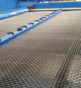 Tensioned Wire Mesh Screen Deck